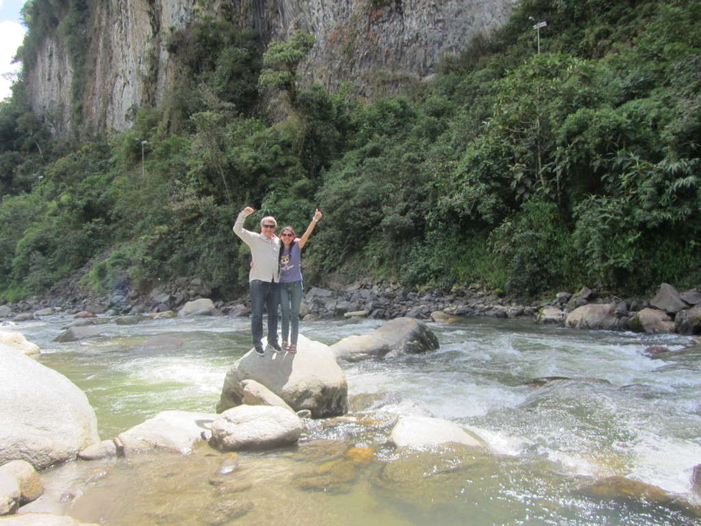 Carmiñia and me on the Quijos River